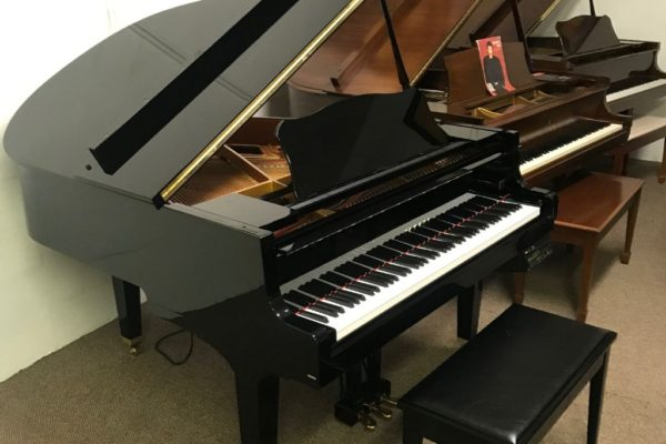 Yamaha GH-1 Baby Grand Piano with Disklavier Self-Playing System